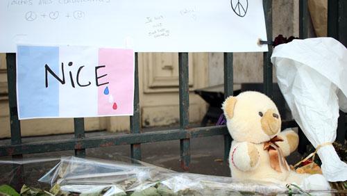 Hommage_aux_victimes_de_Nice